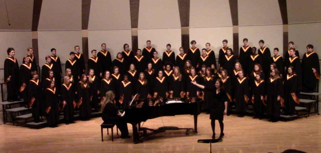 joining the iekhs concert choir Susan dedell, director the brattleboro concert choir performs an exciting and challenging repertoire, ranging from classic choral masterpieces to rarely heard or newly commissioned works.